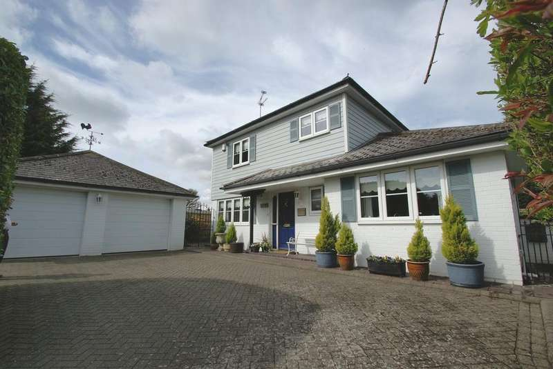 3 Bedrooms Detached House for sale in Swan Lane, Stock, Essex, CM4