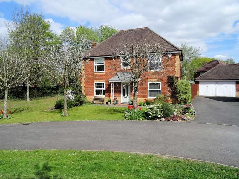 4 Bedrooms Detached House for sale in Redwing Road, Gabriel Park