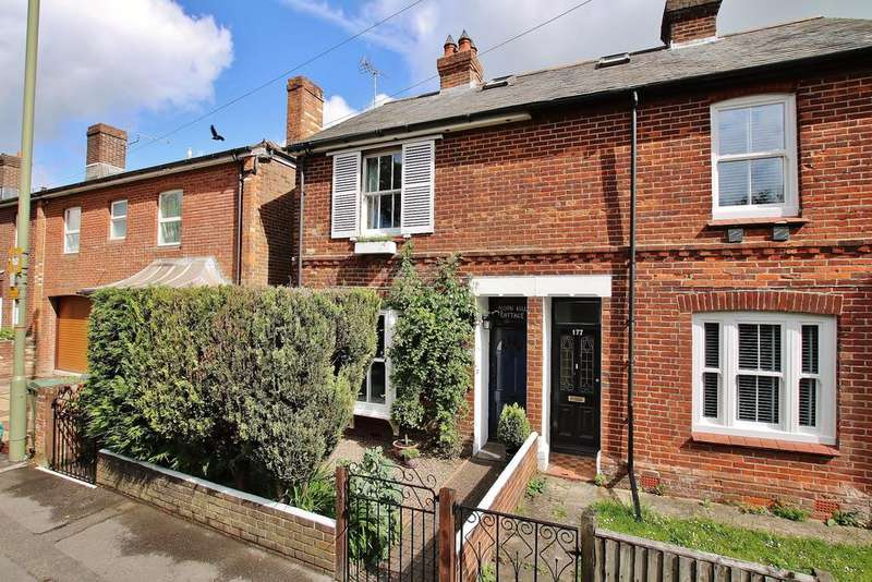 2 Bedrooms Semi Detached House for sale in Winchester