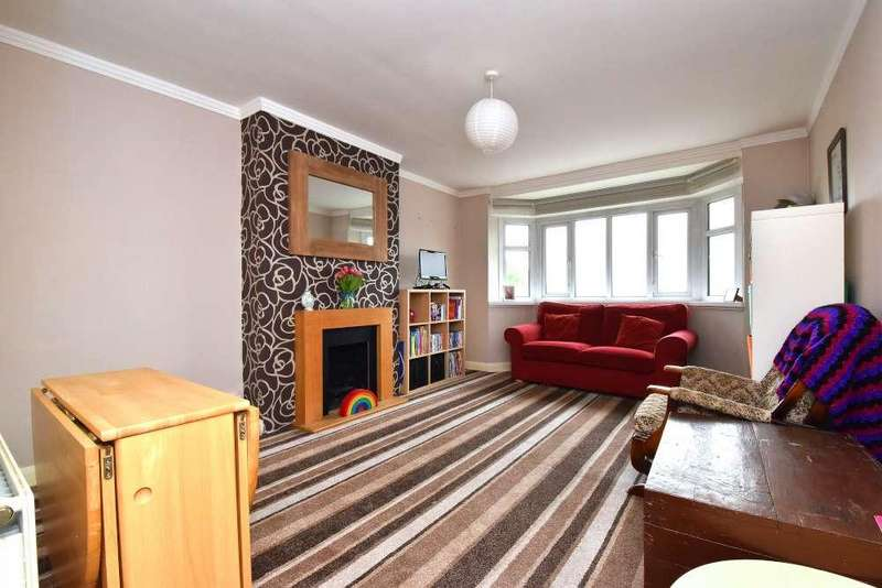 3 Bedrooms Flat for sale in Oakhill Court