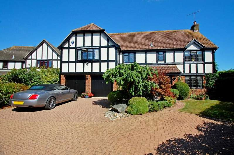5 Bedrooms Detached House for sale in Yew Tree Close, Hatfield Peverel, Chelmsford, Essex, CM3