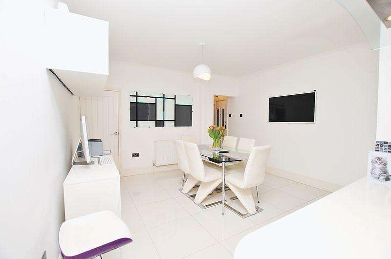 3 Bedrooms House for sale in Steuart Road, Bitterne Manor, Southampton, SO18