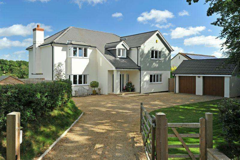 4 Bedrooms Detached House for sale in BENDARROCH ROAD, WEST HILL