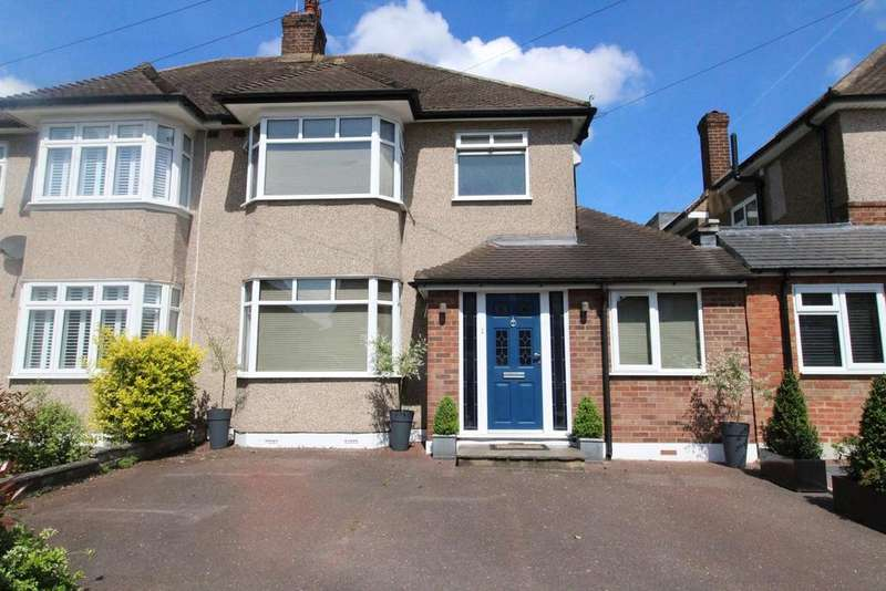 3 Bedrooms Semi Detached House for sale in Fleet Avenue, Upminster, Essex, RM14