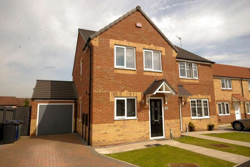 3 Bedrooms Semi Detached House for sale in Davy Close, Hebburn