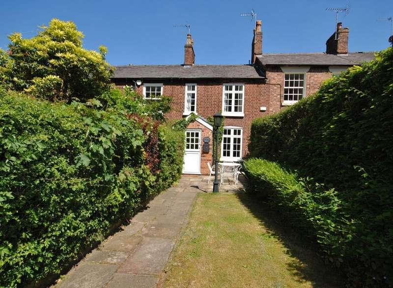 2 Bedrooms Terraced House for sale in Bollin Grove, Prestbury