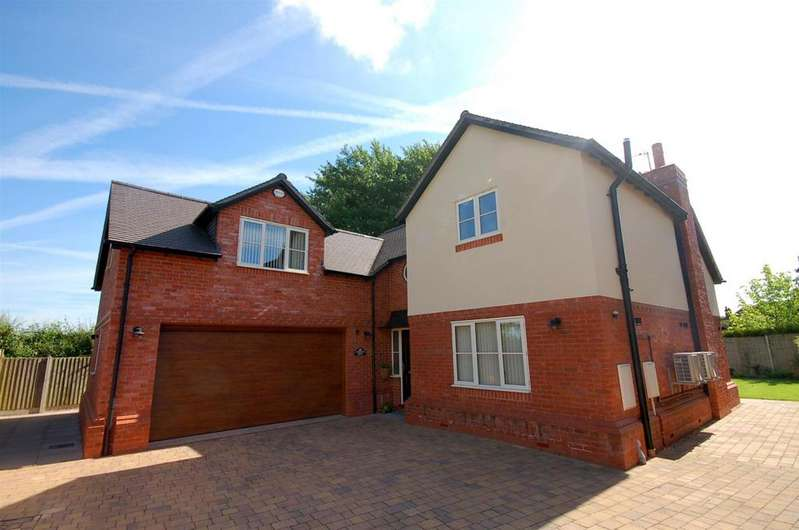 4 Bedrooms Detached House for sale in Rydal Way, Alsager
