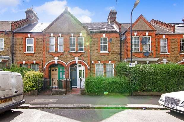 2 Bedrooms Flat for sale in Winns Terrace, Walthamstow, London