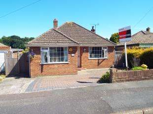 2 Bedrooms Bungalow for sale in Chichester Road, Sandgate, Folkestone, Kent