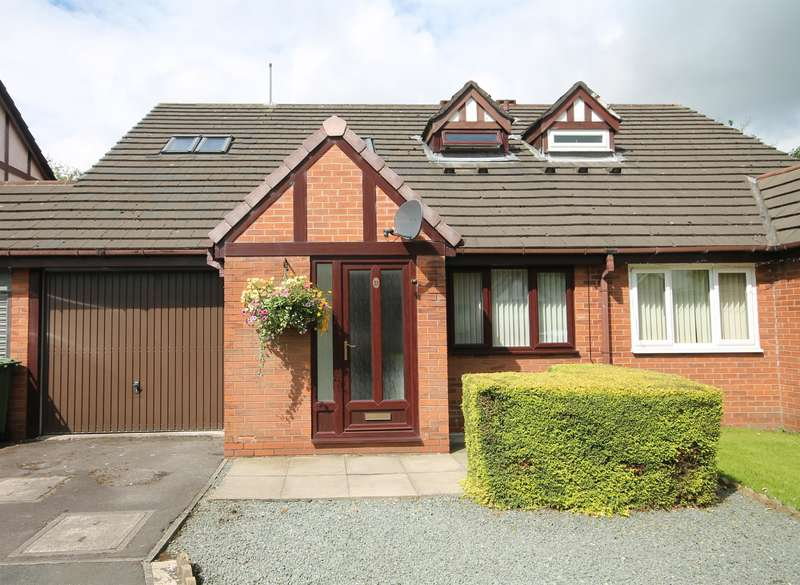 2 Bedrooms Semi Detached House for sale in Sandhill Close, Great Lever, Bolton, BL3 2UB