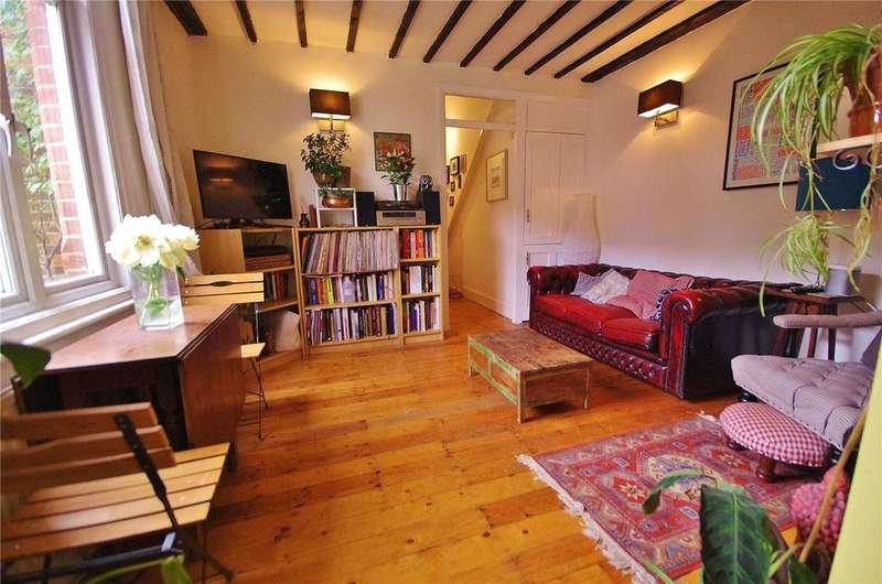 2 Bedrooms House for sale in Gladstone Road, Watford, Hertfordshire, WD17