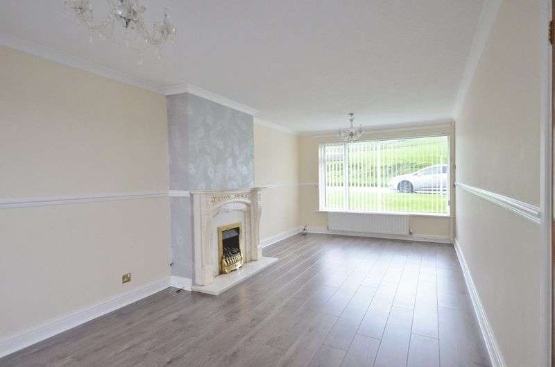 3 Bedrooms Property for sale in Chaucer Avenue, Egremont