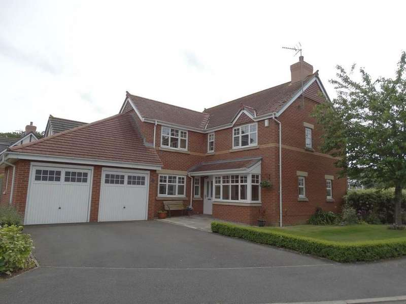 4 Bedrooms Detached House for sale in 22 Chatsworth Close, Rhos on Sea, LL28 4DE
