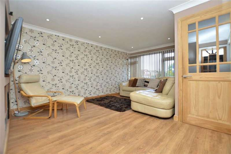 3 Bedrooms Property for sale in Lancaster Road, North Weald