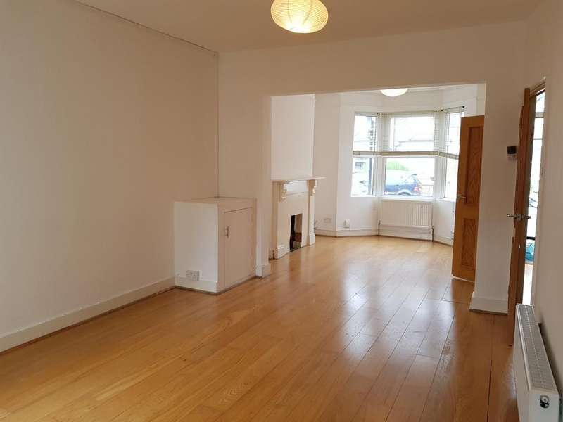 3 Bedrooms Terraced House for sale in Westgate Road, South Norwood, London SE25