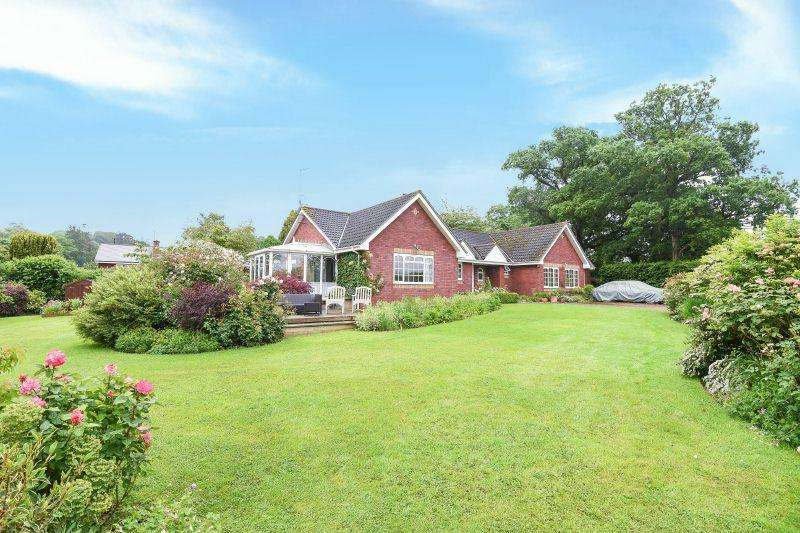 4 Bedrooms Detached Bungalow for sale in STRETE RALEGH, WHIMPLE