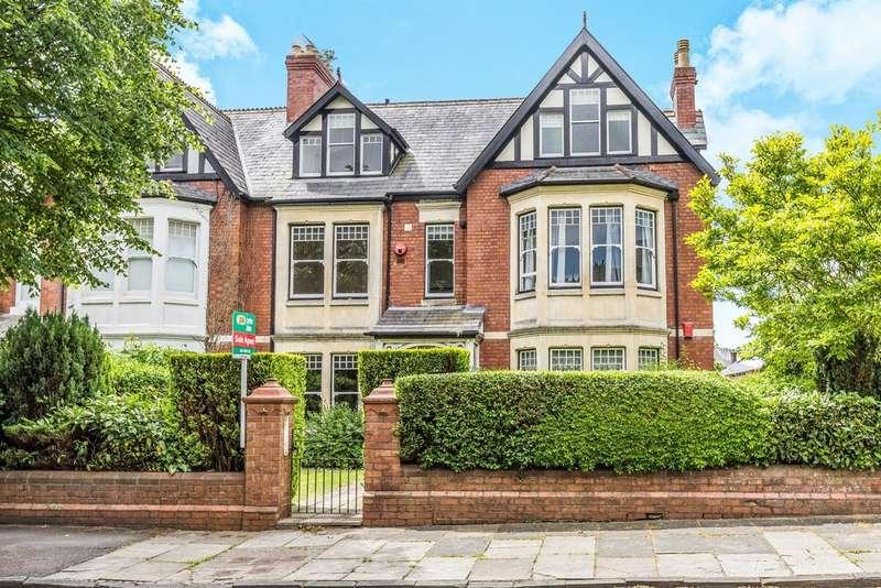 2 Bedrooms Apartment Flat for sale in Victoria Square, Penarth