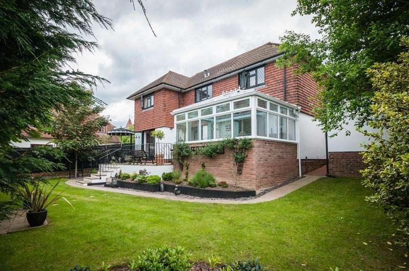 4 Bedrooms Village House for sale in Church Road, Buxted, Uckfield