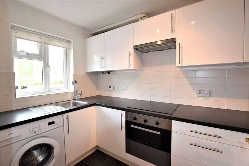 2 Bedrooms Terraced House for sale in Oswald Close, Warfield, Berkshire, RG42