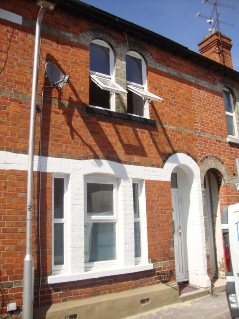 3 Bedrooms Terraced House for rent in South Street, Reading