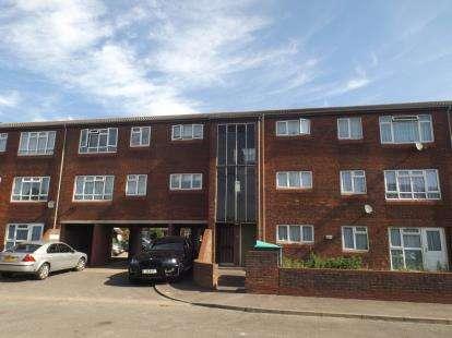 1 Bedroom Flat for sale in Chadwell Heath, Romford, United Kingdom
