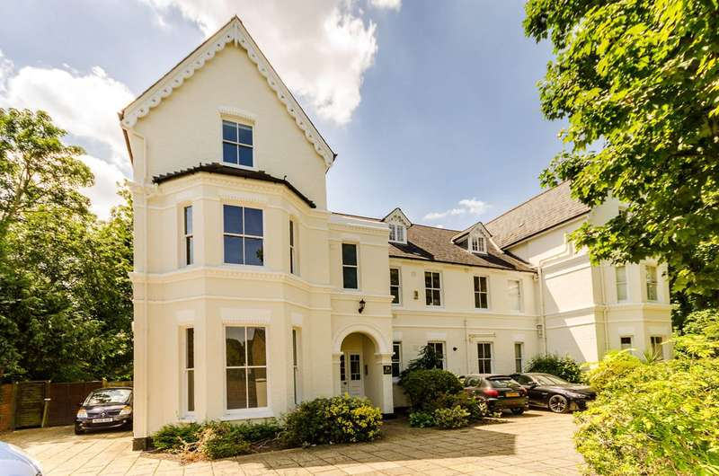 2 Bedrooms Flat for sale in Kingsdowne Road, Surbiton, KT6