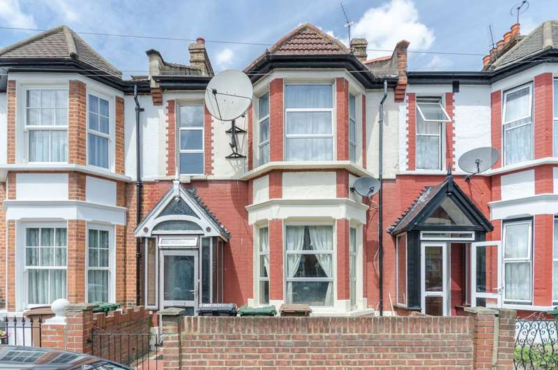 4 Bedrooms Terraced House for sale in Matlock Road, Leyton, E10