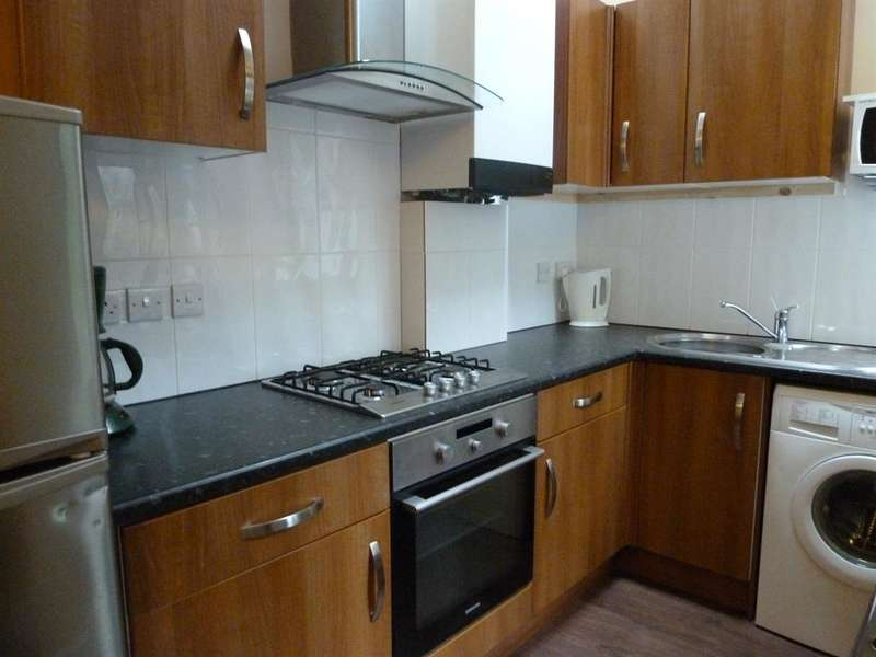 3 Bedrooms Terraced House for rent in Hoole Street, Walkley, Sheffield, S6