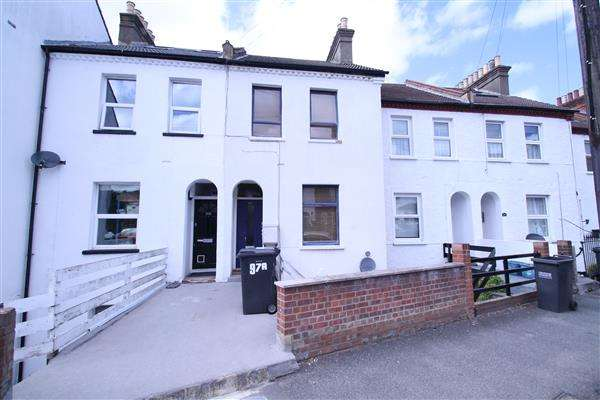 1 Bedroom Maisonette Flat for sale in Oval Road