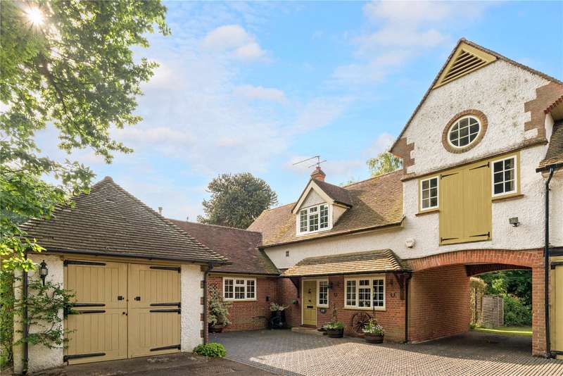 3 Bedrooms House for sale in Puttenham Heath Road, Compton, Guildford, Surrey, GU3