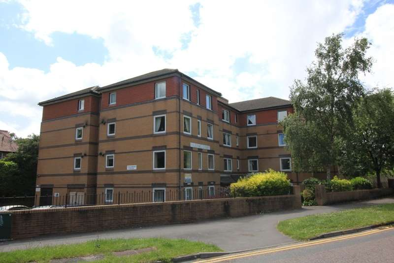 2 Bedrooms Flat for sale in 3 Durley Chine Road Bournemouth BH2 5JP