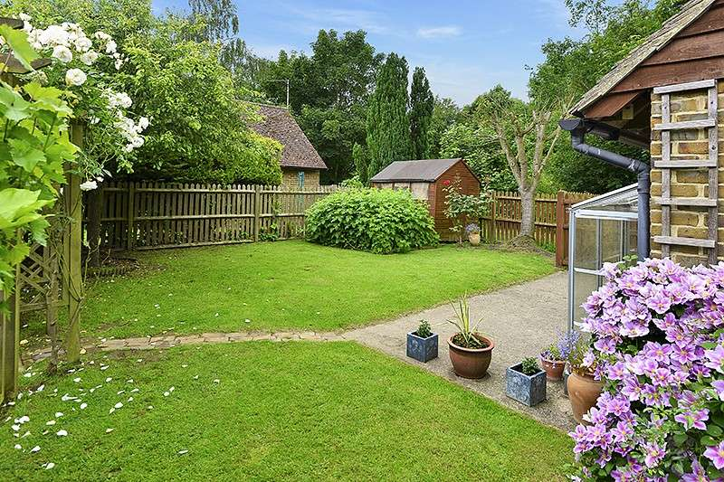 4 Bedrooms House for sale in Bossington Oast, Bossington Road, Adisham, Canterbury, CT3