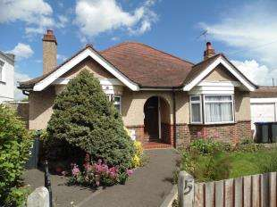 3 Bedrooms Bungalow for sale in Livesay Crescent, Worthing, West Sussex