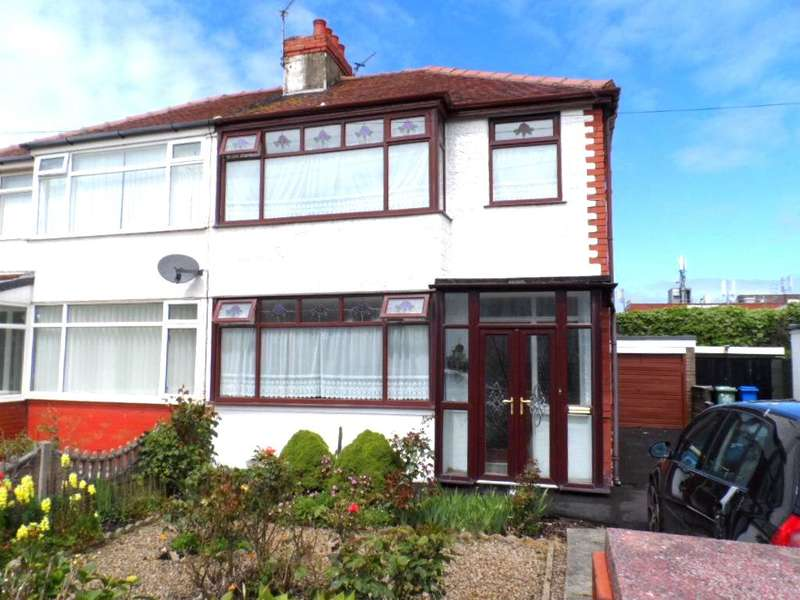 3 Bedrooms Semi Detached House for sale in Cumberland Avenue, CLEVELEYS, FY5 2DA