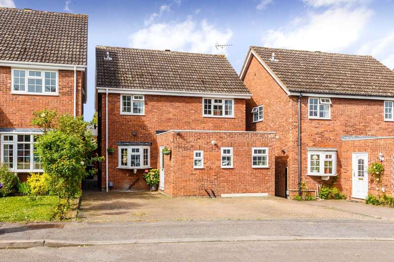 4 Bedrooms Detached House for sale in Convent Close, Hitchin SG5 1QN