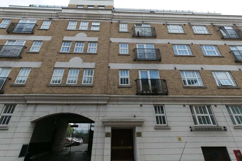 1 Bedroom Flat for sale in Cartwright Street, Wapping, London, E1