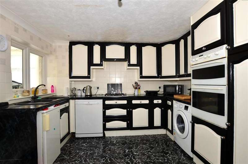 4 Bedrooms Town House for sale in Beverley Close, Rainham, Gillingham, Kent
