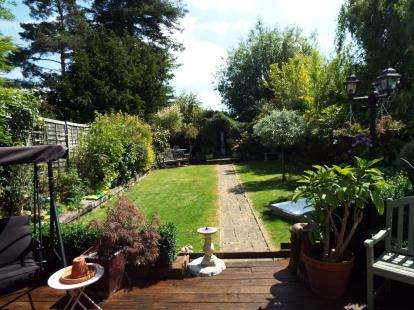 5 Bedrooms Bungalow for sale in Rayleigh, Essex, Uk