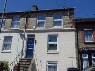 2 Bedrooms Maisonette Flat for sale in Coombe Valley Road, Dover, Kent