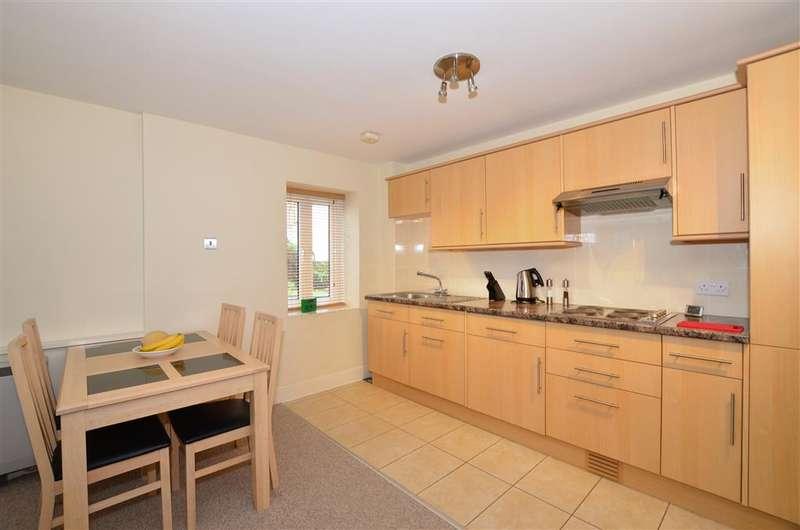 1 Bedroom Flat for sale in Carpenters Lane, Tonbridge, Kent