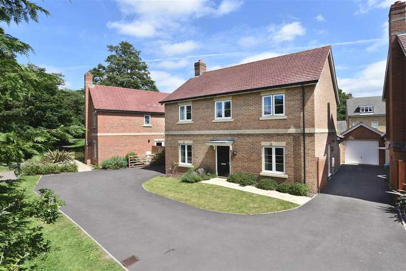 4 Bedrooms Detached House for sale in MANSION HOUSE CLOSE, SARISBURY GREEN