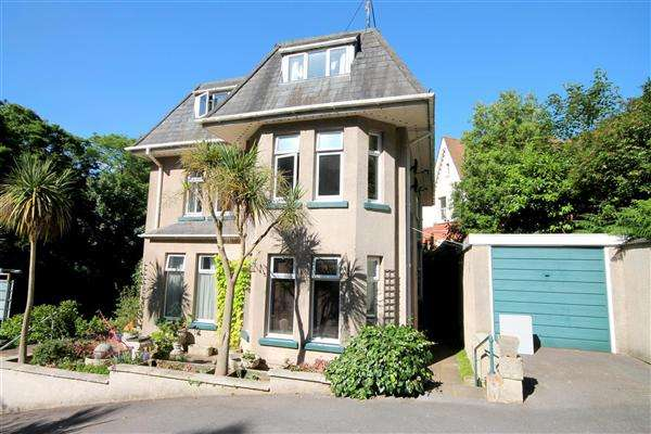 2 Bedrooms Flat for rent in Prince Of Wales Road, Bournemouth