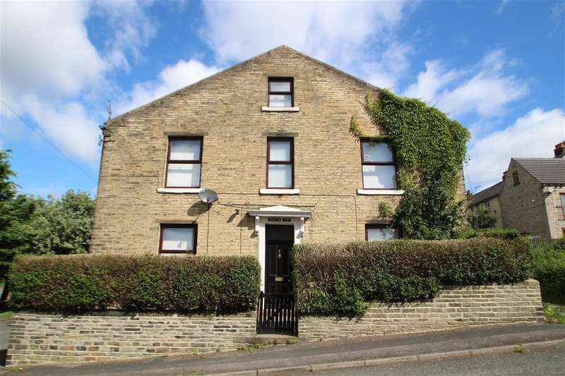 3 Bedrooms Terraced House for sale in Beecher Street, Boothtown, Halifax