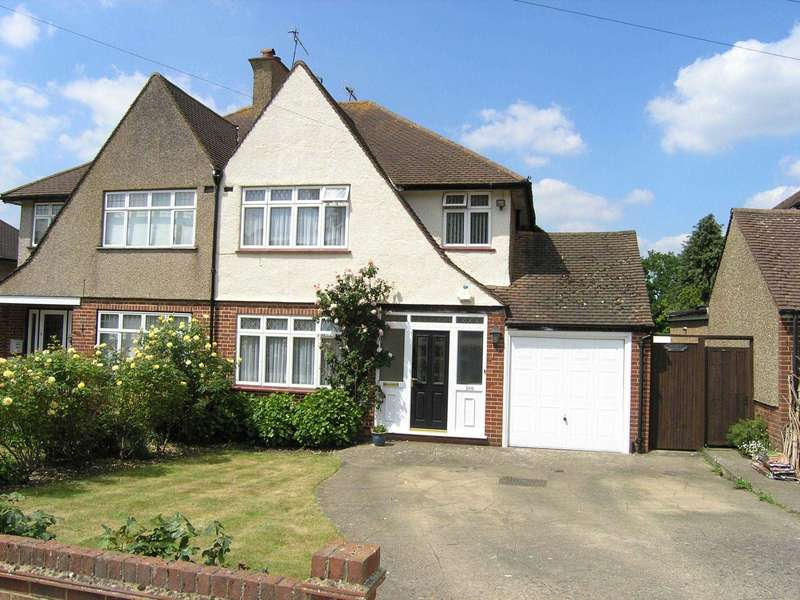 3 Bedrooms Semi Detached House for sale in Coldharbour Lane, Bushey