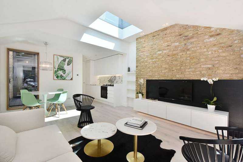 2 Bedrooms Apartment Flat for sale in Ecclestone Road, W13