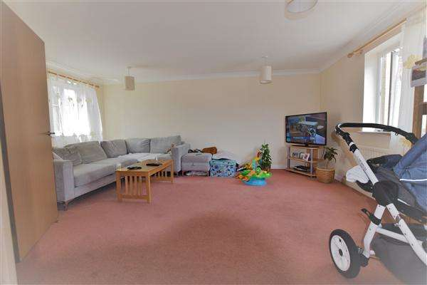 2 Bedrooms Apartment Flat for sale in Osier Avenue, Hampton Centre