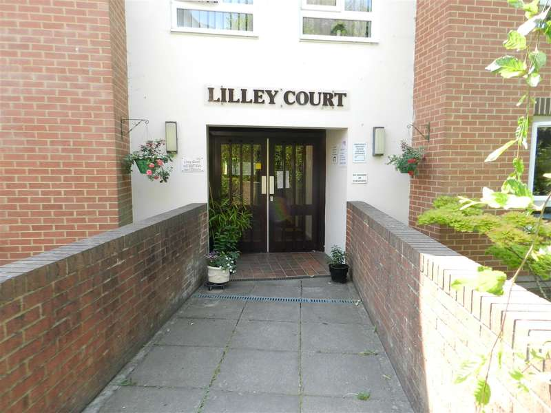 2 Bedrooms Retirement Property for sale in Lilley Court, Heath Hill Road South, Crowthorne