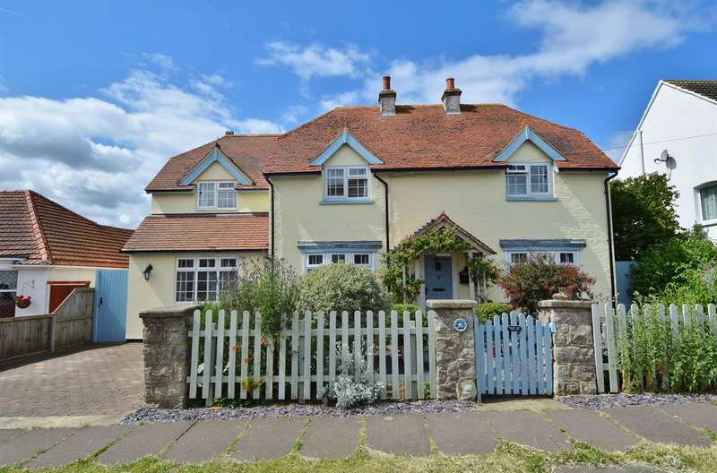 4 Bedrooms Detached House for sale in Holmscroft Road, Beltinge, Herne Bay