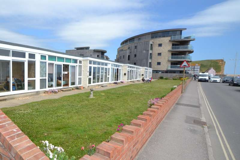 2 Bedrooms Flat for sale in West Bay