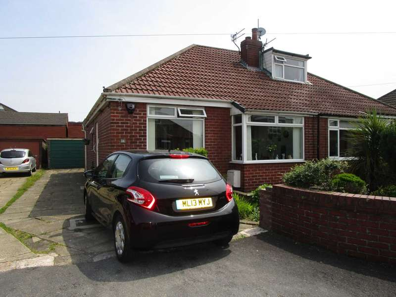2 Bedrooms Semi Detached Bungalow for sale in Strand Way, Royton